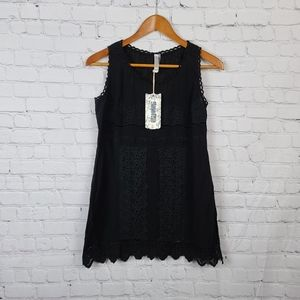 Monoreno Black with embroidered details fe…